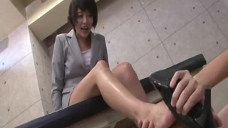 Mom Ass  : Foot smother